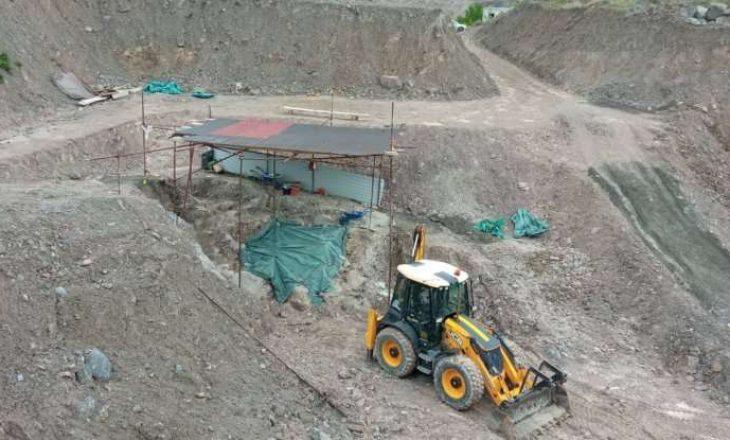 Përfundojnë gërmimet në Kizhevak të Serbisë, zhvarrosen mbetje mortore të nëntë personave