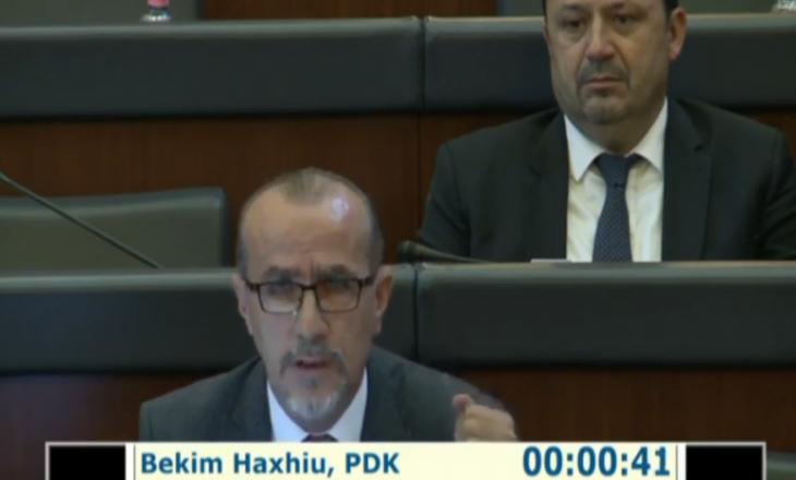 """Deputeti i PDK-së e pyet Vitinë nëse është intervistuar nga Prokuroria për """"keqpërdorimet gjatë pandemisë"""""""