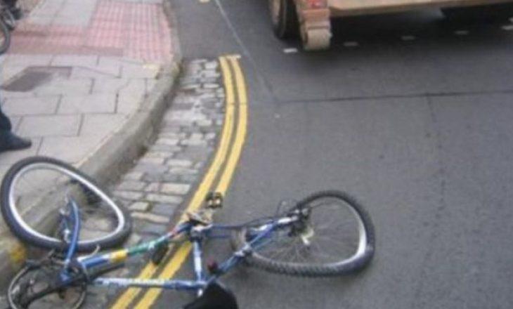 Gjakovë: Biçiklisti goditet nga vetura, dërgohet në spital