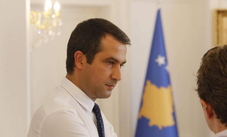 Ish-këshilltari i Thaçit – Surroit: Nëse marrëveshjet me Serbinë janë problematike, këshilloje Kurtin që t'i anulojë