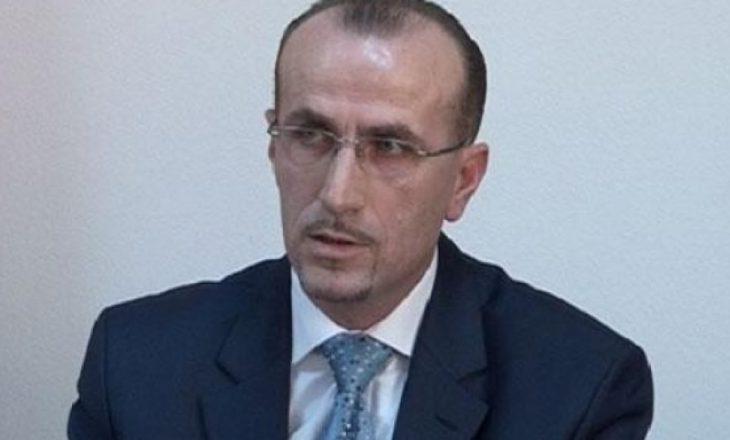 Deputeti PDK-së kërkon shkarkimin e Qëndron Kastratit