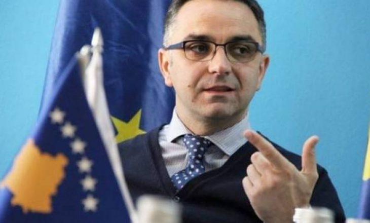 """Tahiri: Taksa mjeti i vetëm që ia """"palonte"""" Vuçiqit"""