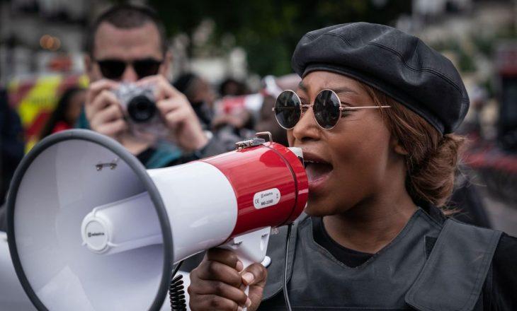 """U qëllua me armë në kokë – Aktivistja e """"Black Lives Matter"""" në gjendje të rëndë"""