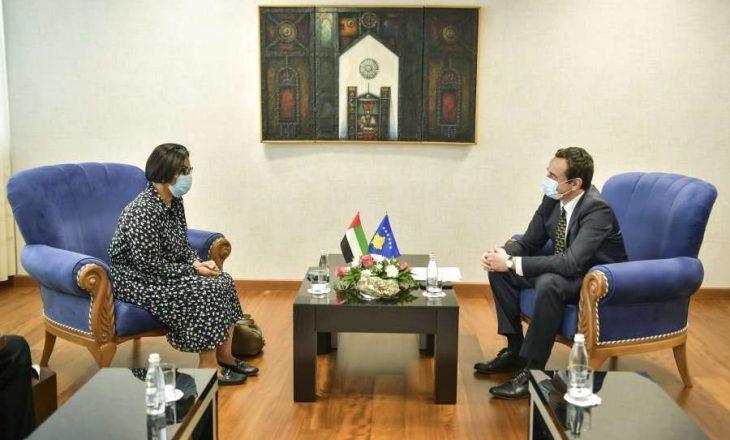 Kurti takohet me ambasadoren e Emirateve të Bashkuara Arabe, flasin për investime