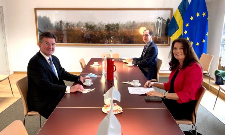 Kryediplomatja suedeze: Kosova dhe Serbia duhet ta bëjnë prioritet dialogun