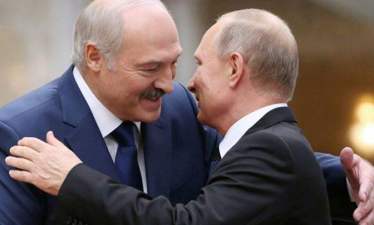 Arrestimi i gazetarit bjellorus, Putin bisedon me Lukashenkon