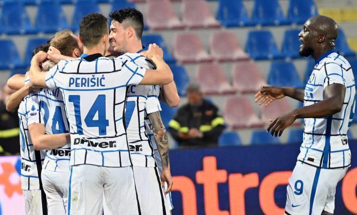 Inter mposht Crotonen, ekipi i Contes një pikë larg titullit kampion