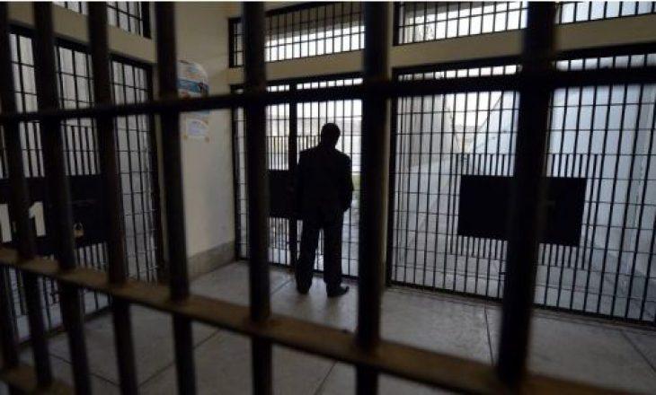 Një i burgosur Maqedonisë së Veriut i kushton rreth 10 mijë euro në vit