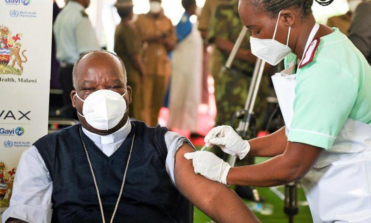 Malawia djeg vaksinat e skaduara AstraZeneca