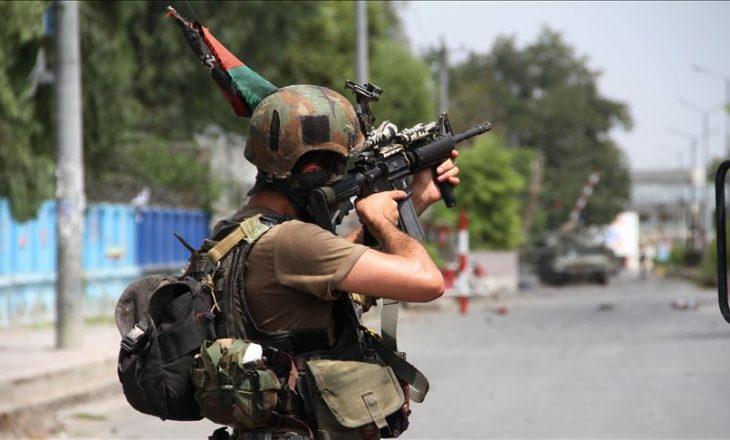 Nga një sulm i talebanëve në Gazna të Afganistanit, së paku gjashtë pjesëtarë të forcave të sigurisë kanë humbur jetën