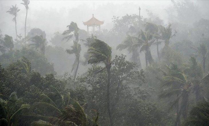 Nga stuhia e fortë e erës, së paku 10 persona kanë humbur jetën në Kinë