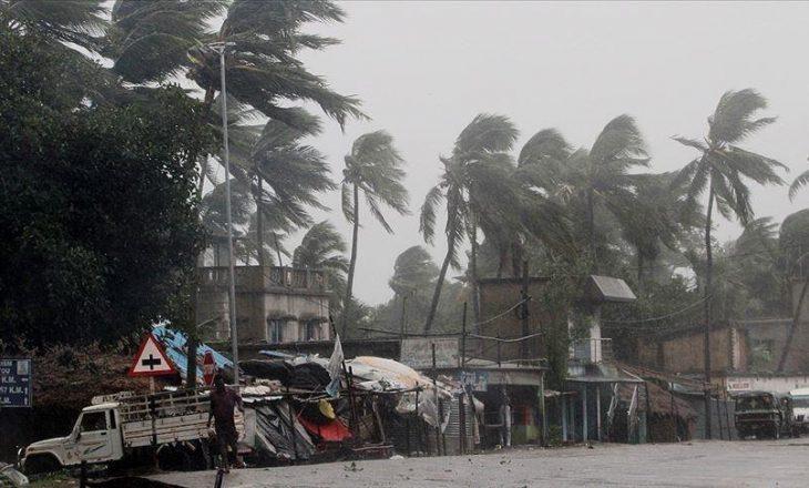 Të paktën dy të vdekur ndërsa Cikloni Yaas shkatërron Indinë