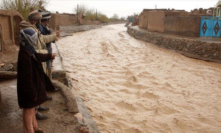 Nga përmbytjet e reshjeve të shiut në provincën Herat të Afganistanit, 14 persona kanë humbur jetën