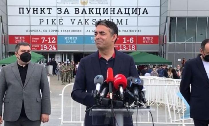 Vaksinimi në Maqedoninë Veriore, qytetarët marrin vaksinën kineze, politikanët Pfizer-in