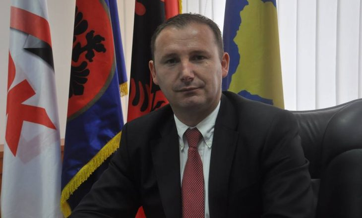 Zemaj me dyshime ndaj Simmons: Uroj se me pretendimet ndaj EULEX s'po provoni të dilni vetë i pastër