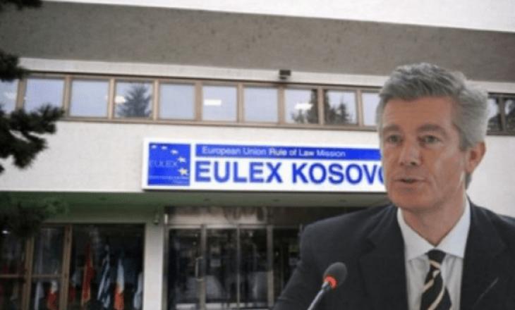 Simmons: EULEX i dorëzojë Serbisë dosje për krimet e luftës