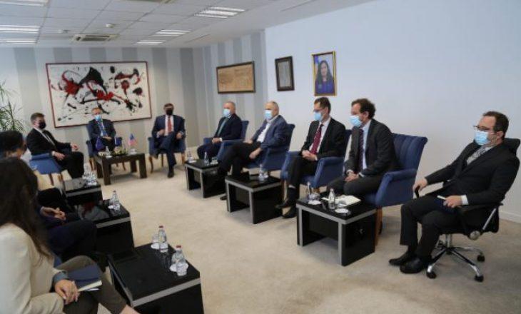 Bislimi takohet me Palmerin dhe Lajçakun, diskutojnë për dialogun me Serbinë