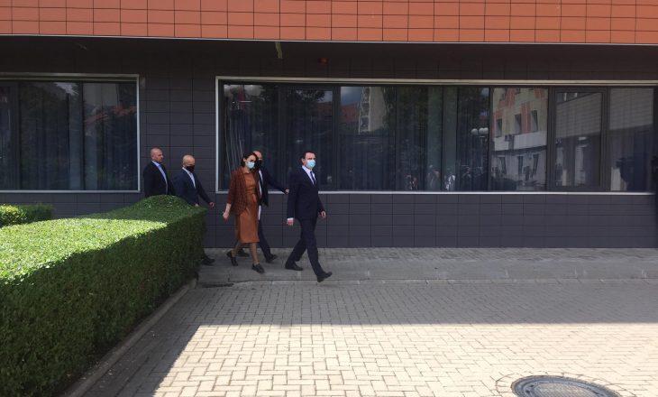 Data për zgjedhjet lokale, nis takimi Osmani-Kurti