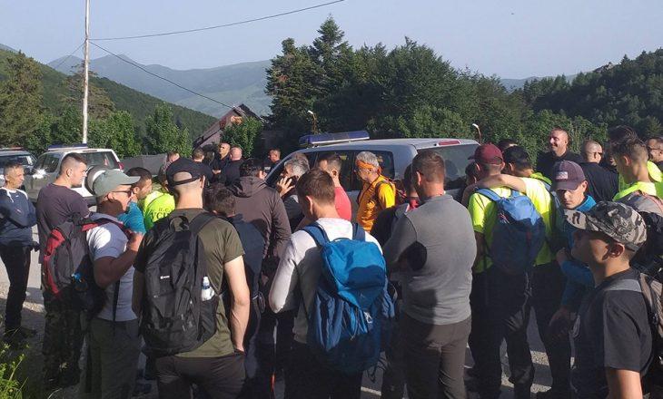 Policia e Kosovës ndalon vizitën e alpinistëve serbë në Malet e Sharrit