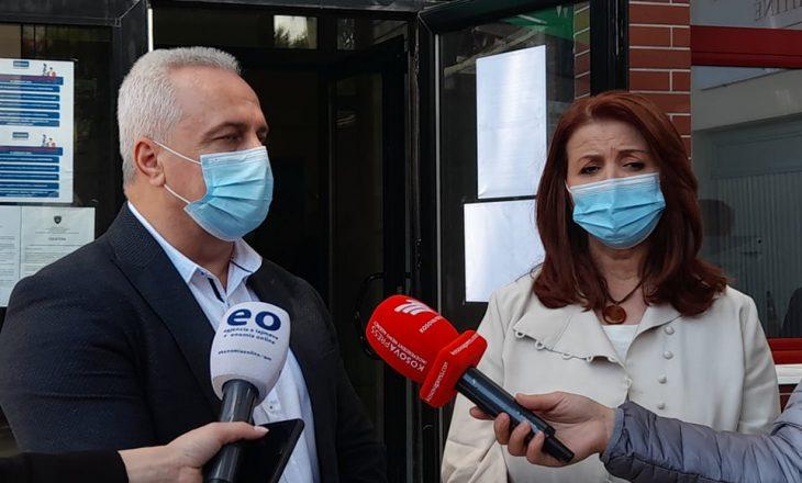 """VV e kënaqur me procesin e vaksinimit te """"1 Tetori"""", PDK kritikon për mosorganizim"""