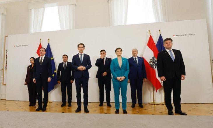 Kurti në samitin e Vjenës: Serbia ta njohë pavarësinë e Kosovës, të ballafaqohet me të kaluarën