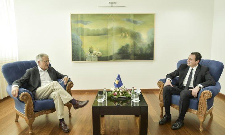 Kurti takohet me Petritsch, temë dialogu Kosovë-Serbi