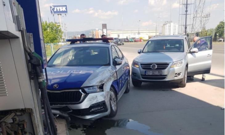 Aksident në Fushë Kosovë, përfshihet një veturë e policisë