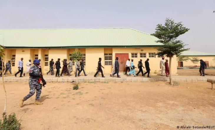 Sulm në disa fshatra të Nigerisë, mbi 90 të vrarë