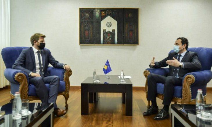 Kurti: Çështja e të pagjeturve është plagë e hapur, është me rëndësi që të hapen arkivat shtetërore të Serbisë