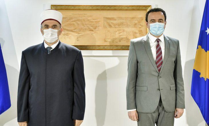 Kryeministri Kurti takohet me kryemyftiun Tërnava, flasin për vështirësitë e pandemisë