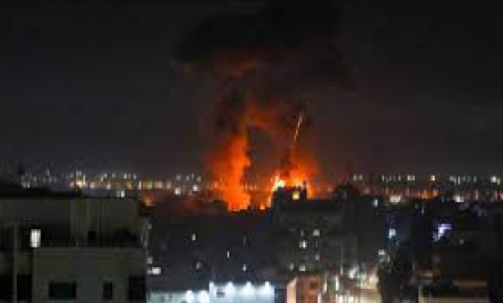 Izrael fillon sulme ajrore në Gaza pas lëshimit të balonave të zjarrit