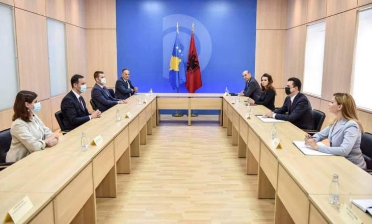 Konjufca pas takimit me Bashën: Qëndrimet e PD-së do t'i ndihmojnë Kosovës për proceset e ardhshme politike
