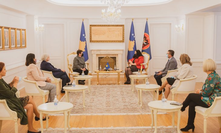 Kërkohet përfaqësim i grave në dialog me Serbinë