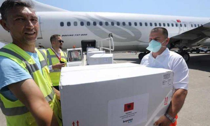 Mbërrijnë në Shqipëri edhe 50 mijë vaksina anti-COVID nga kompania kineze