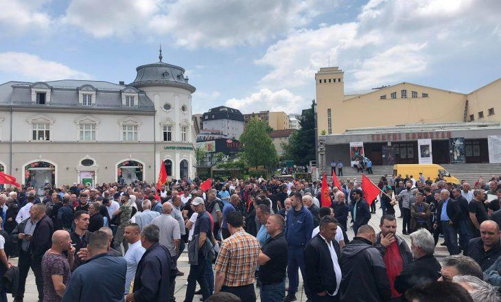 Veteranët protestojnë në Ditën e Çlirimit