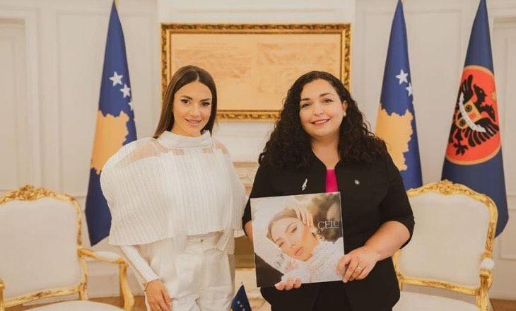 Presidentja Osmani pret në kabinet këngëtaren Elvana Gjata