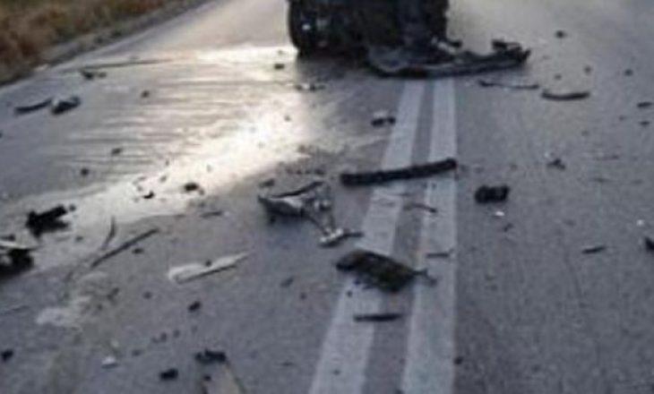 Aksident në rrugën Pejë-Deçan, motoristi dërgohet në QKUK