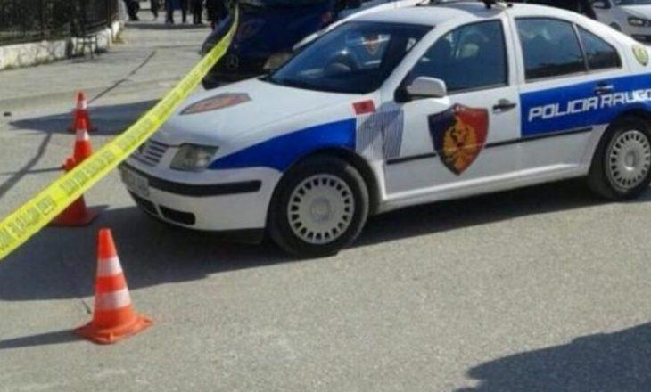 Të shtëna në drejtim të biznesmenit në Sarandë, plagoset edhe një turist