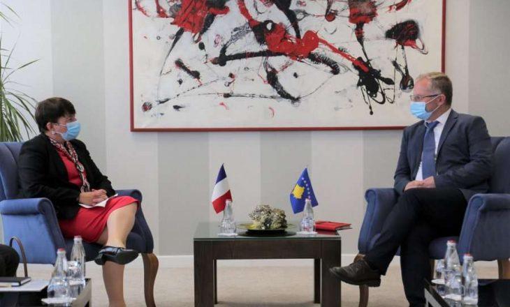 Franca zotohet se do ta përkrahë integrimin e Kosovës në BE dhe dialogun me Serbinë