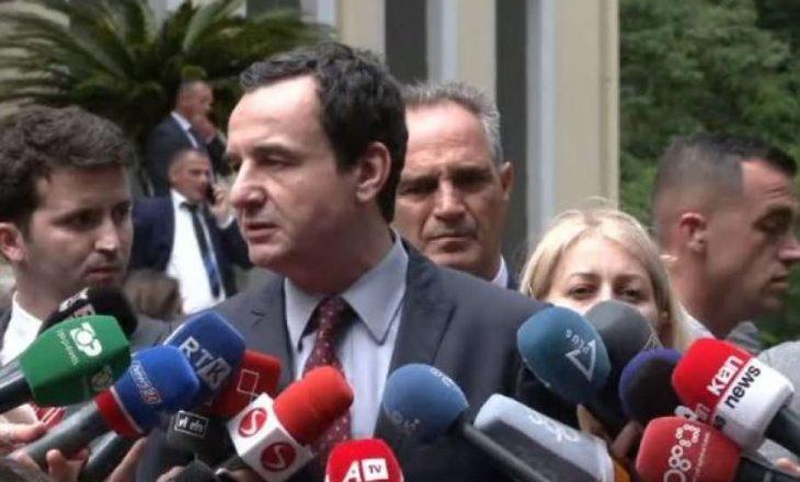 Kurti në Tiranë: Serbia të distancohet nga regjimi i Milosheviqit