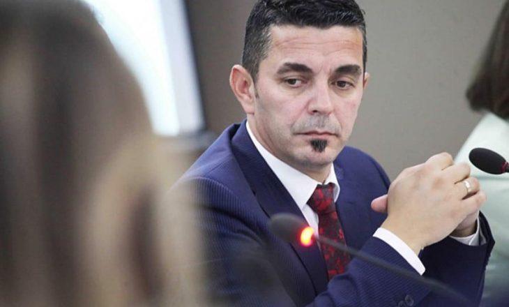 """""""Kallxom kur po dalim, Doarsë"""", Mentor Shala i RTK-së me gjuhë fyese ndaj deputetes"""