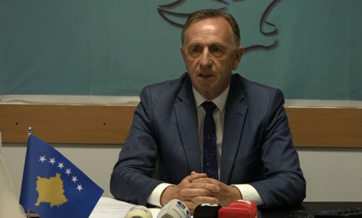 Azemi: Ministria e Punës largoi nga puna mbi 400 punëtorë