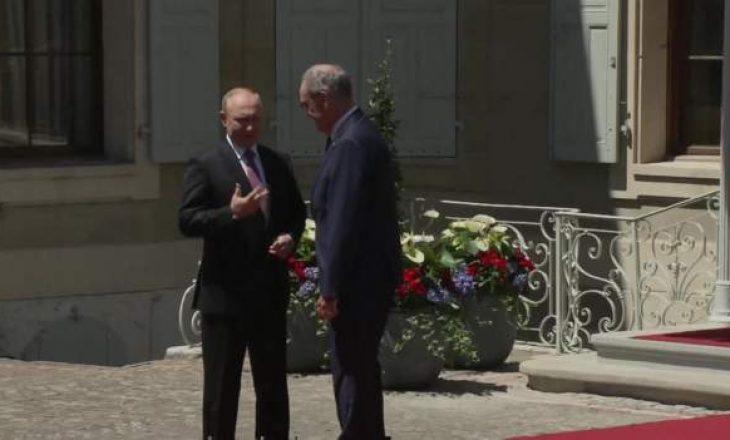 Putin arrin në vilën ku do të takohet me Biden