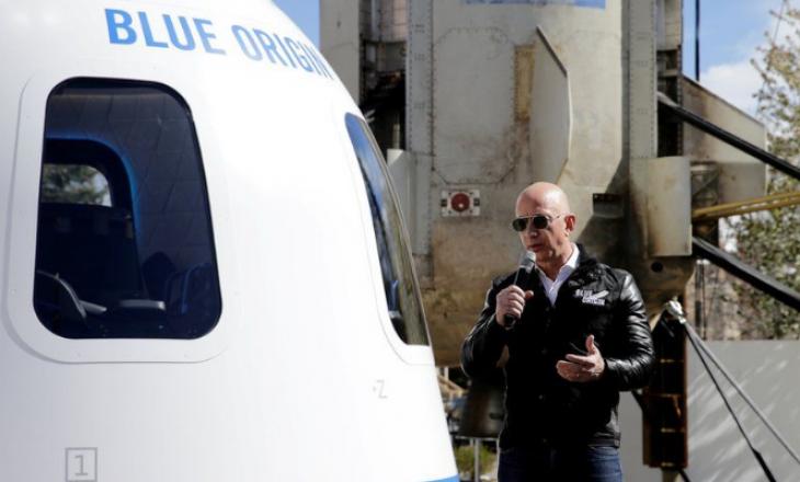 """Jeff Bezos e ka ndërmend """"të shkojë në qiell"""""""