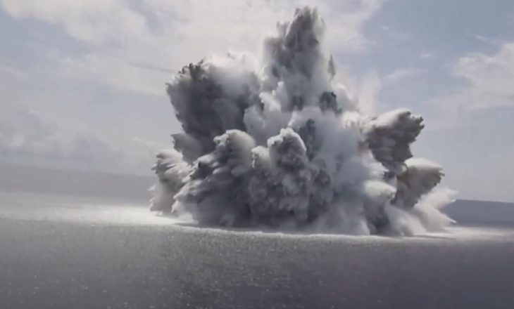 SHBA-të testojnë anijen e tyre luftarake se a mund t'i përballojë luftës