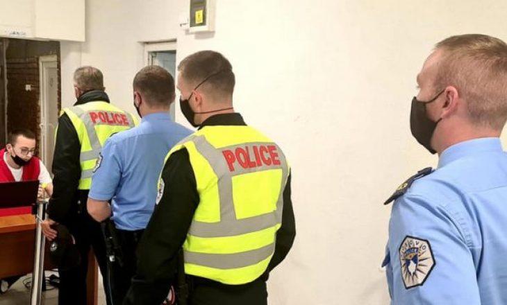 Fillon vaksinimi kundër COVID-19 i policëve