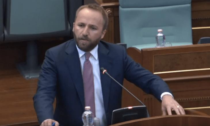 Tahiri – Kurtit: Apo hiqni dorë nga tetë mijë hektarët e demarkacionit me Malin e Zi për karrigen e kryeministrit?
