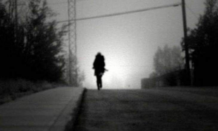Zhduket një vajzë 13 vjeçare