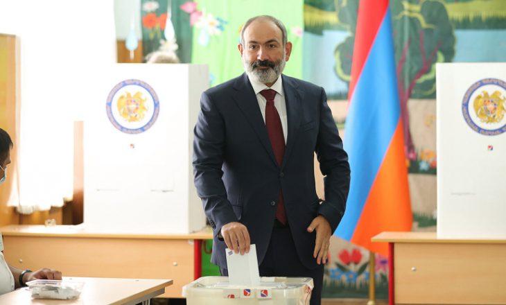 Armeni: Kryeministri i fiton zgjedhjet e para pas humbjes nga Azerbajxhani