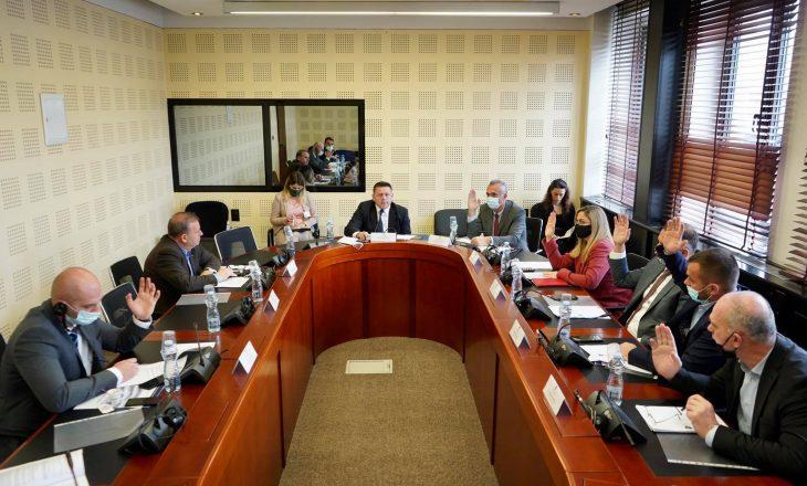 Deputetët e VV-së i japin më së shumti pikë Enver Bujarit, që britanikët më parë as nuk e kalonin